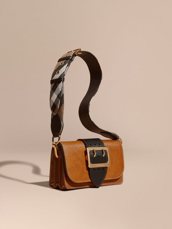 Borsa The Buckle piccola in pelle a grana