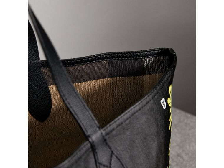 The Medium Reversible Doodle Tote in Black - Women | Burberry - cell image 1