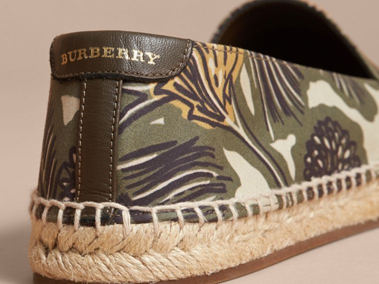 Beasts Print Cotton Blend Espadrilles in Clay Green - Women | Burberry - cell image 4