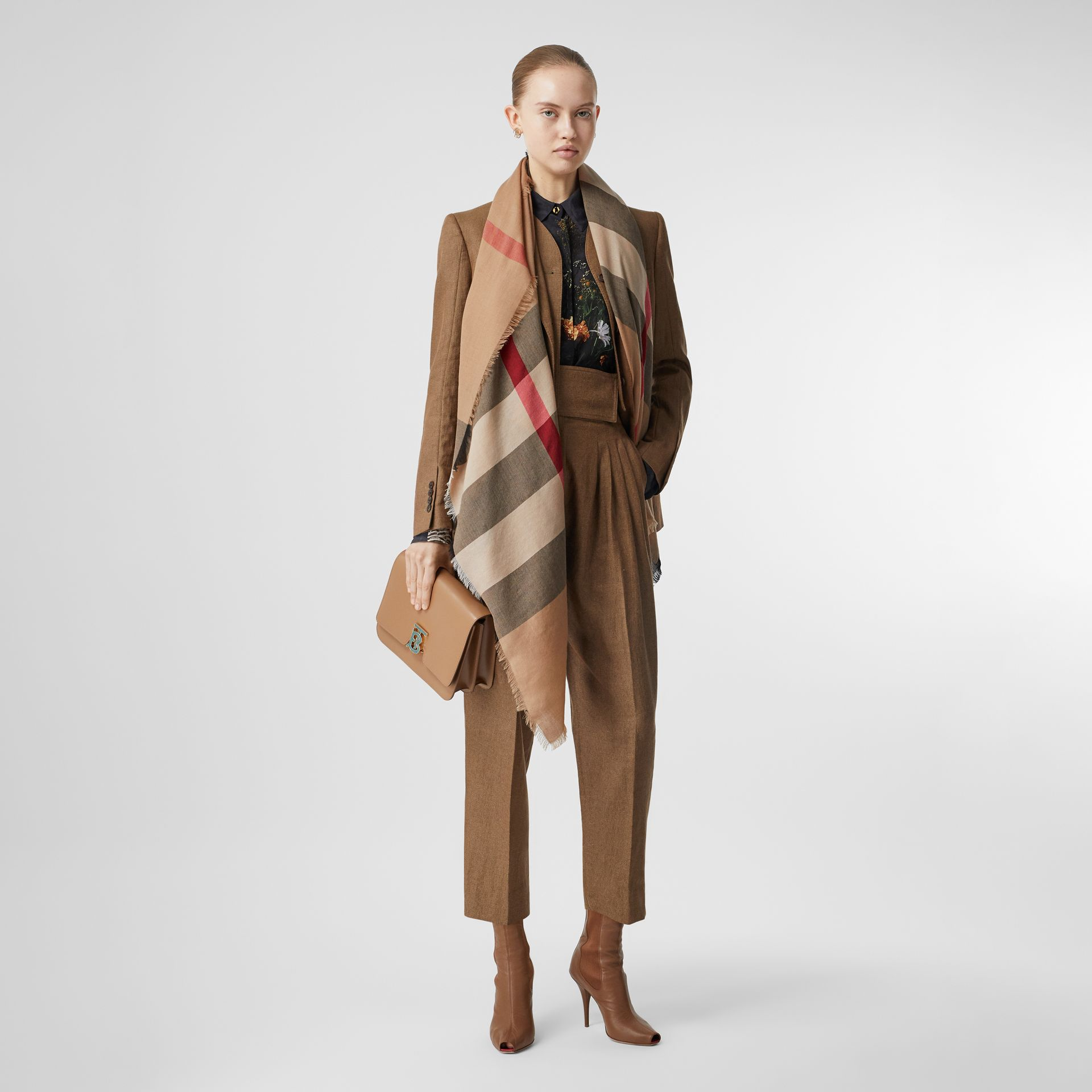Lightweight Check Cashmere Scarf in Camel | Burberry - gallery image 5