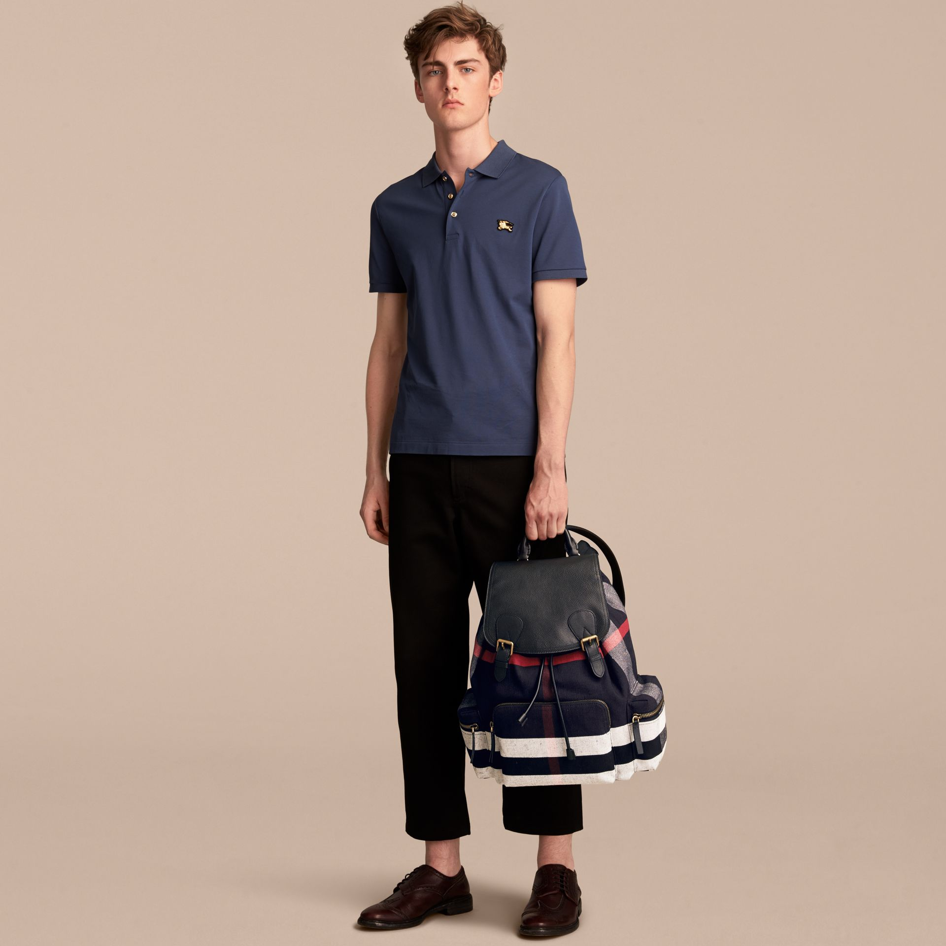 Grand sac The Rucksack en toile Canvas check et cuir (Noir) - Homme | Burberry - photo de la galerie 3