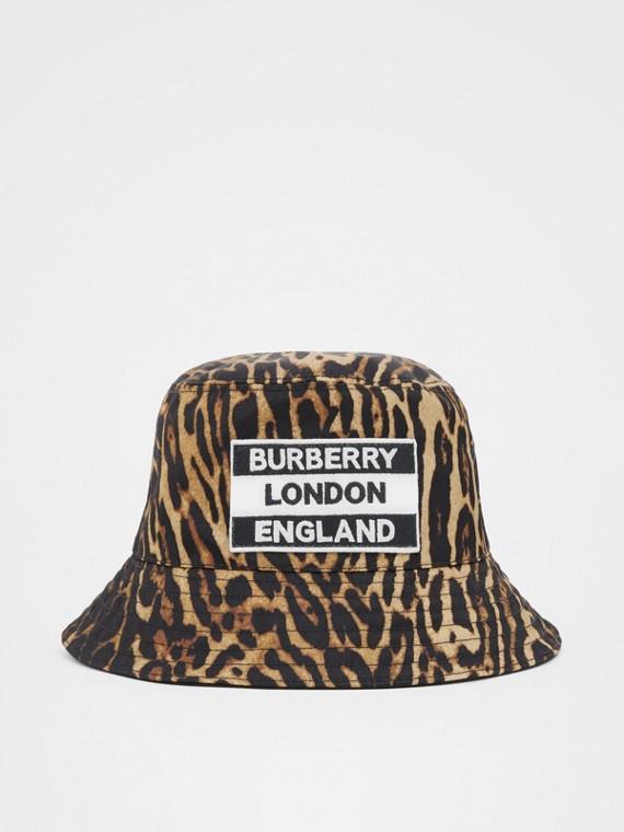 리버시블 로고 아플리케 레오파드 프린트 버킷 모자