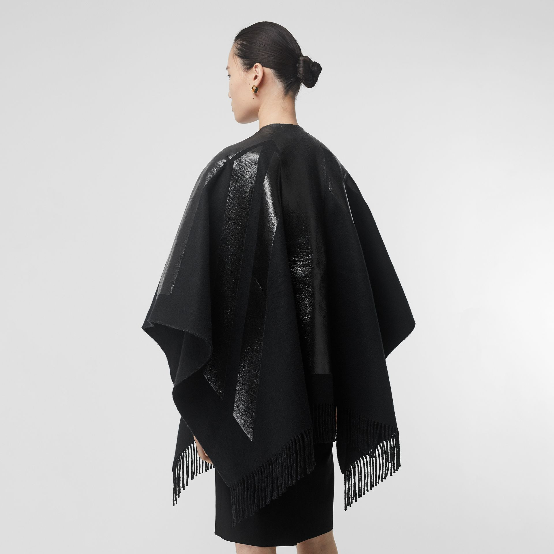 Union Jack Print Wool Cashmere Cape in Black - Women | Burberry - gallery image 2