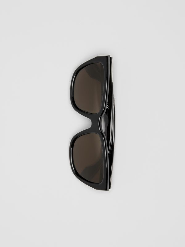 Square Frame Sunglasses in Black - Women | Burberry Australia - cell image 3