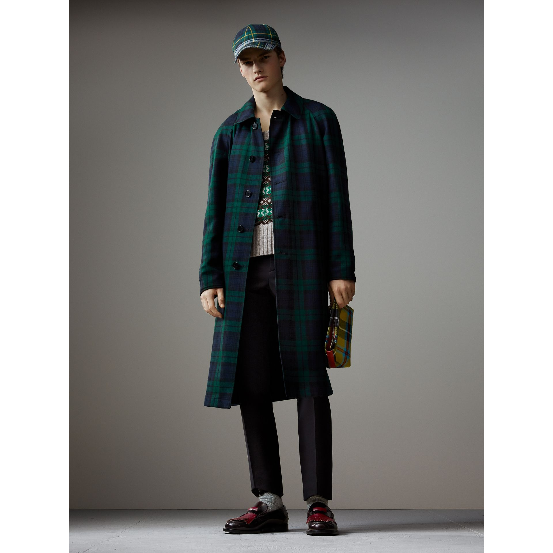 Reversible Tartan Wool and Cotton Gabardine Car Coat in Navy - Men | Burberry Hong Kong - gallery image 1
