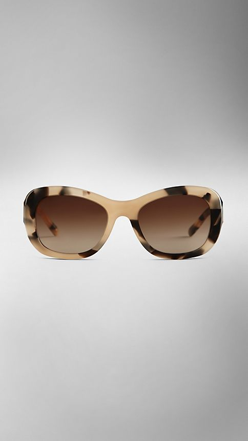Mid tone horn Trench Collection Round Frame Sunglasses - Image 2