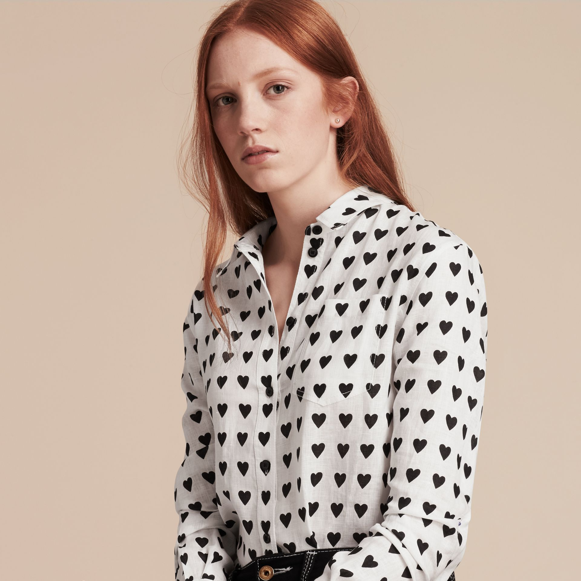 Heart Print Linen Shirt in Natural White - Women | Burberry - gallery image 5
