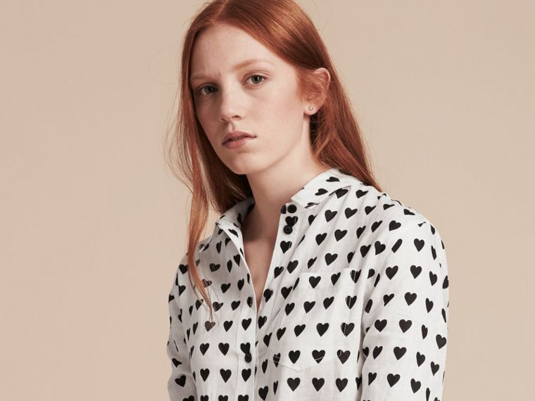 Heart Print Linen Shirt in Natural White - Women | Burberry - cell image 4