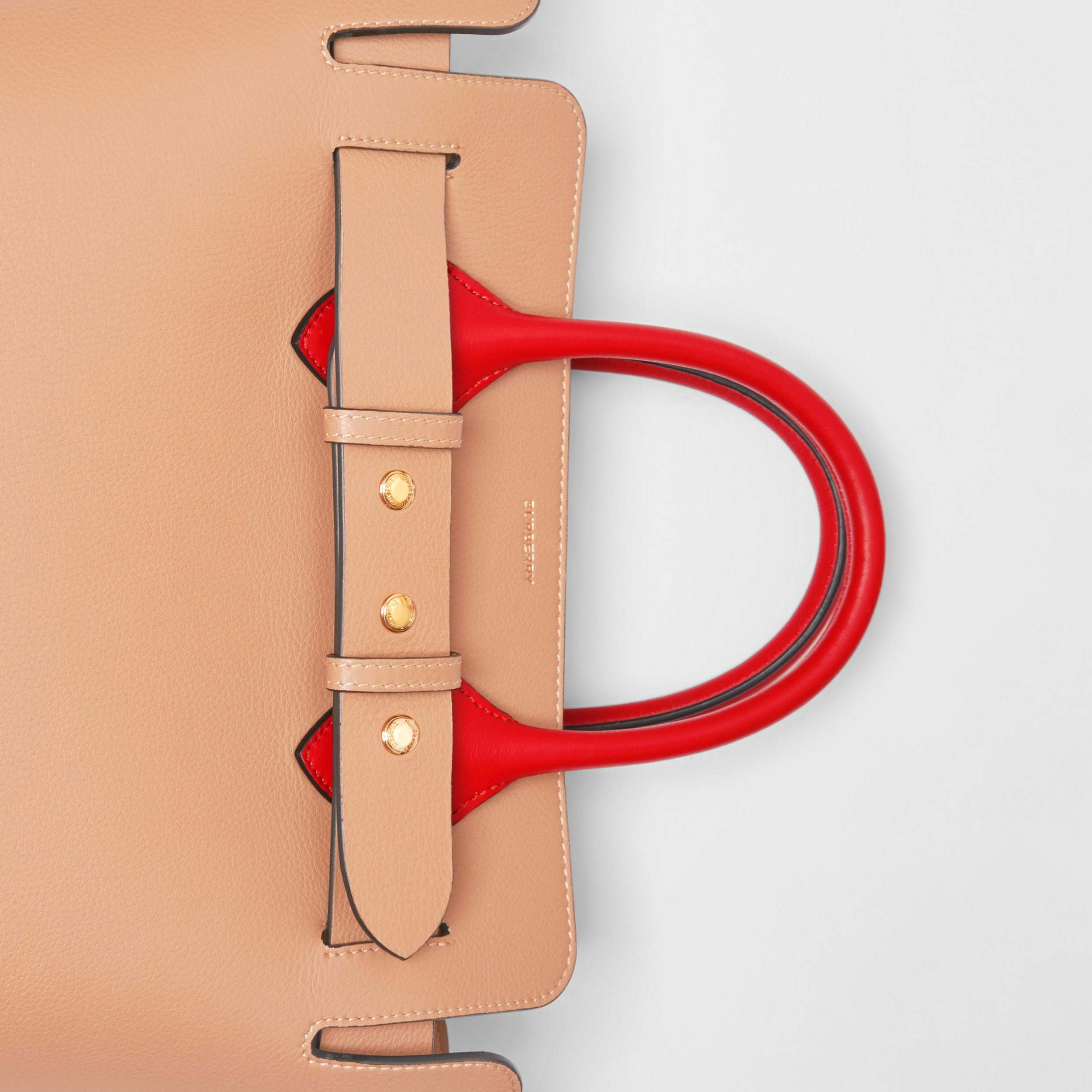 The Small Belt Bag aus Leder mit Ziernieten (Helles Camelfarben) - Damen | Burberry - 2