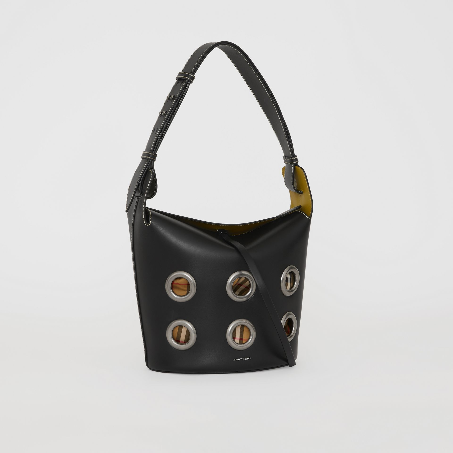 The Medium Bucket Bag aus Leder mit Ösendetails (Schwarz) - Damen | Burberry - Galerie-Bild 6