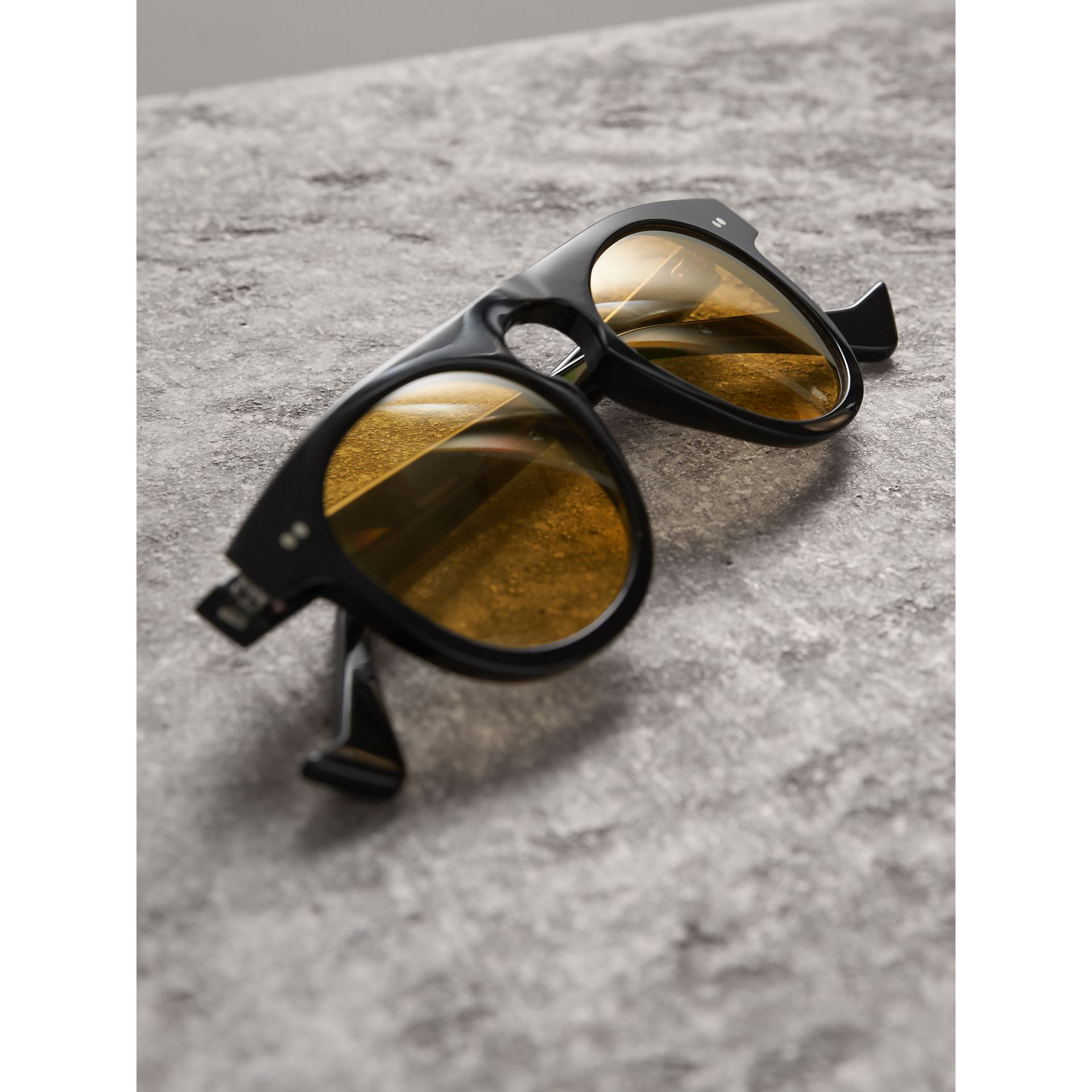 The Keyhole Round Frame Sunglasses in Black/yellow | Burberry - gallery image 3