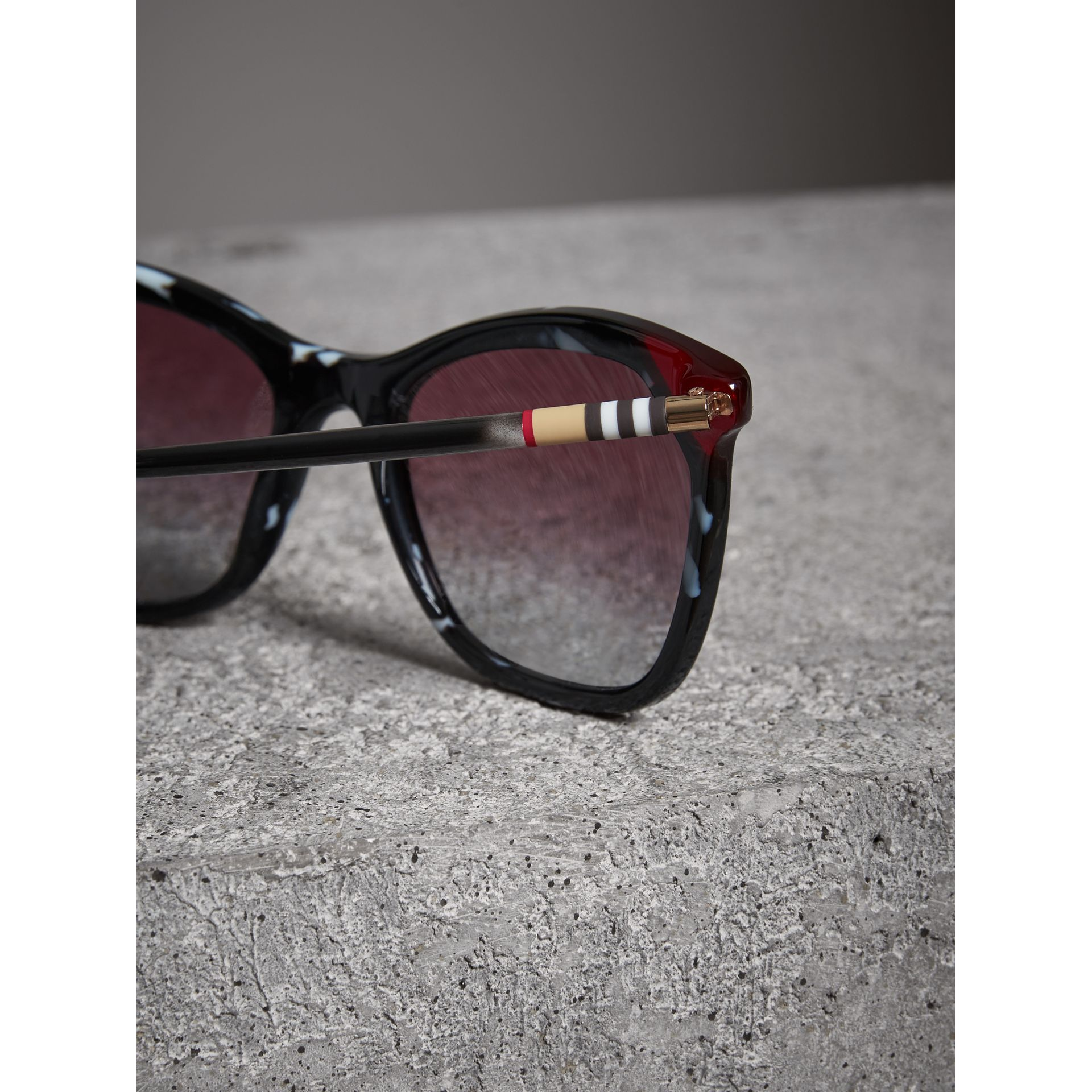Marble-effect Square Frame Sunglasses in Dark Grey - Women | Burberry United States - gallery image 1