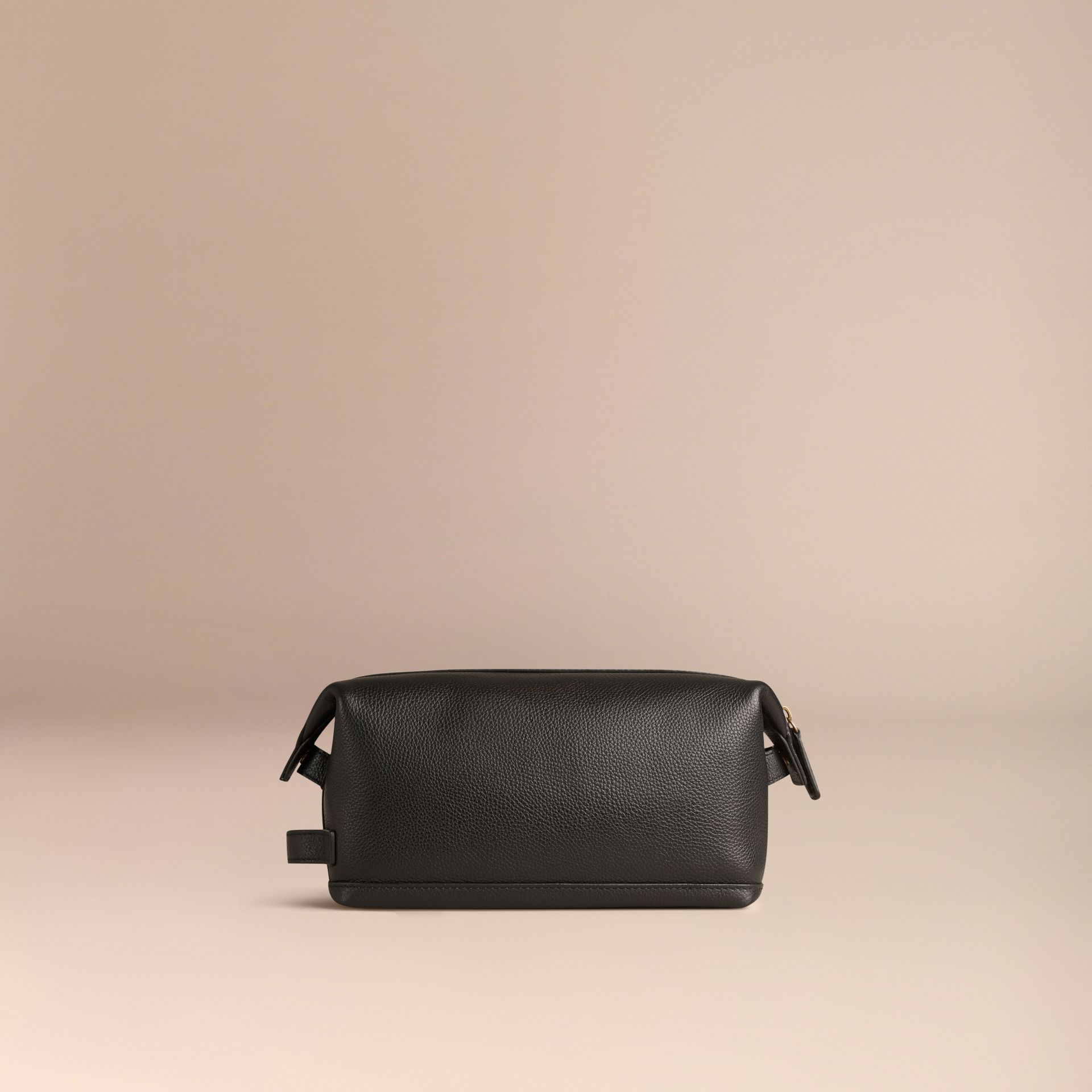 Black Grainy Leather Washbag - gallery image 4