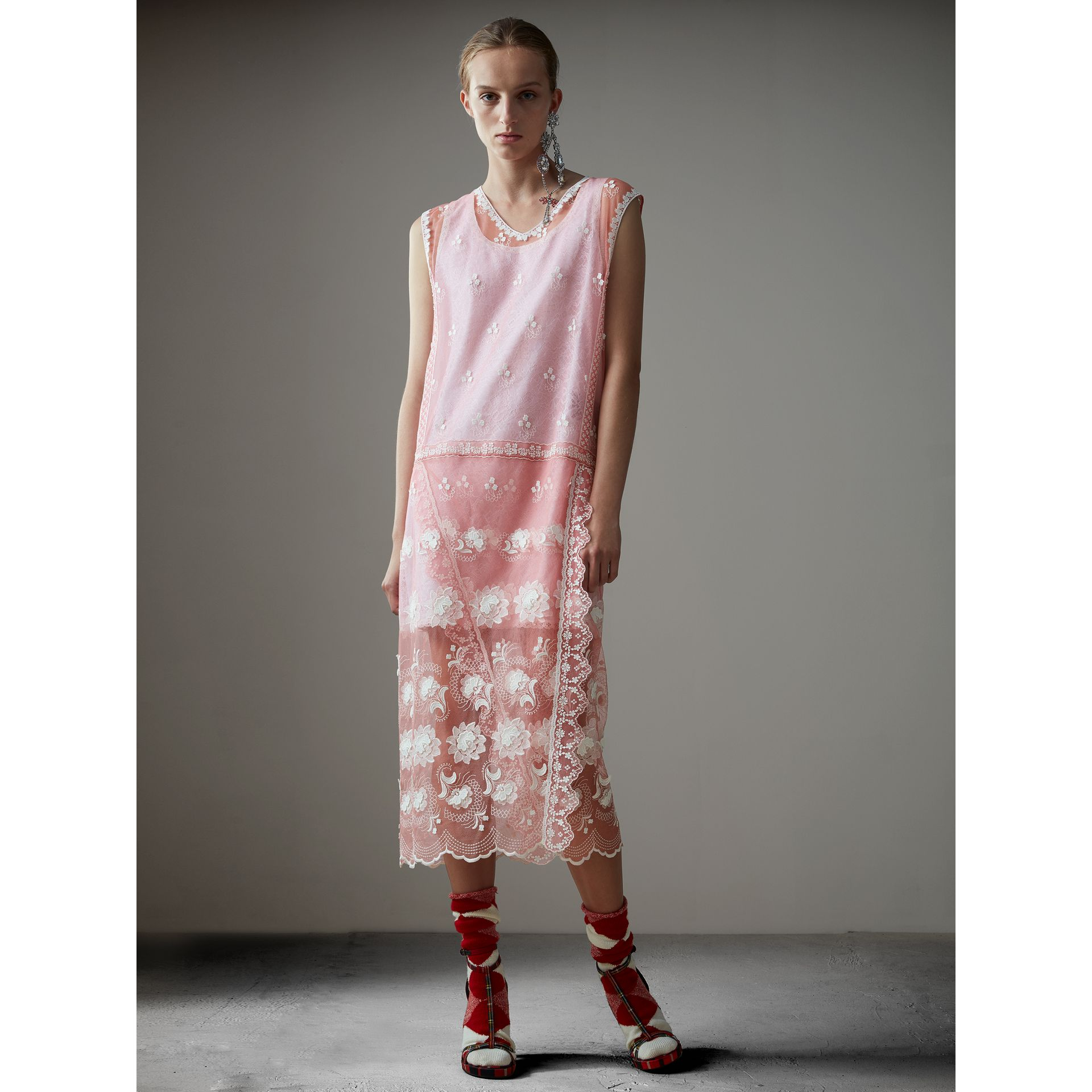 Sleeveless Chantilly Lace Embroidered Tulle Dress in Rose Pink/white - Women | Burberry Singapore - gallery image 4