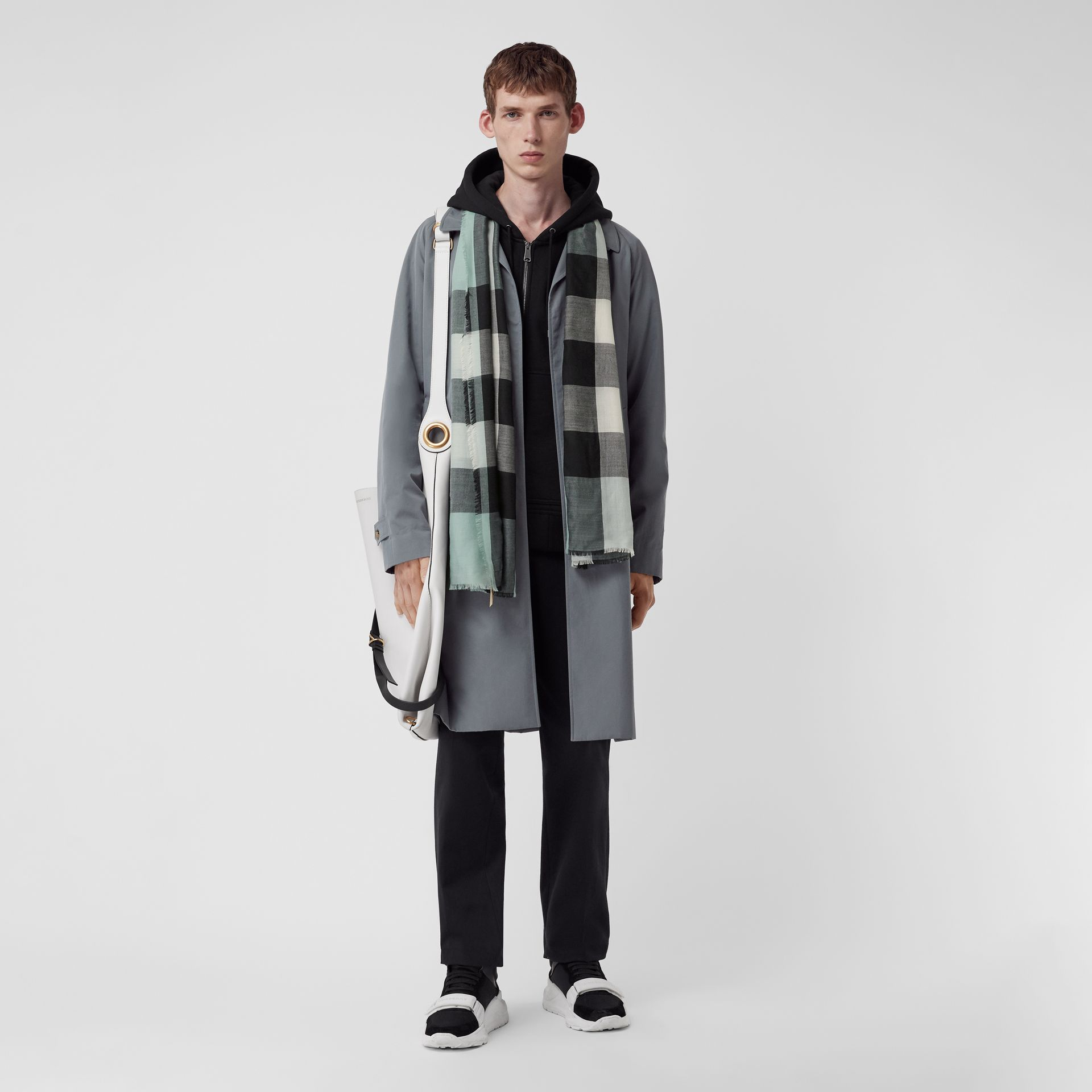 Lightweight Check Cashmere Scarf in Dusty Mint | Burberry United Kingdom - gallery image 3