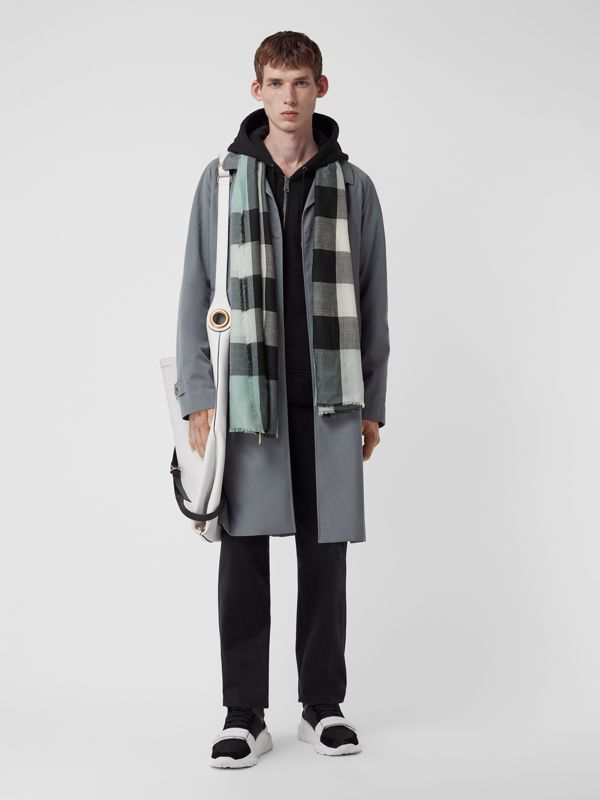 Lightweight Check Cashmere Scarf in Dusty Mint | Burberry - cell image 3