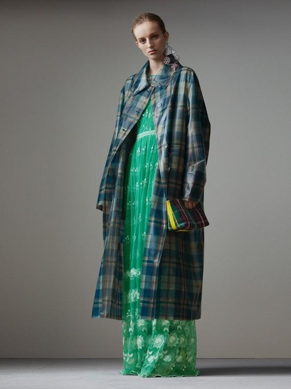 Укороченное пальто из мягкого полимерного материала в шотландскую клетку (Синий / Оранжевый)