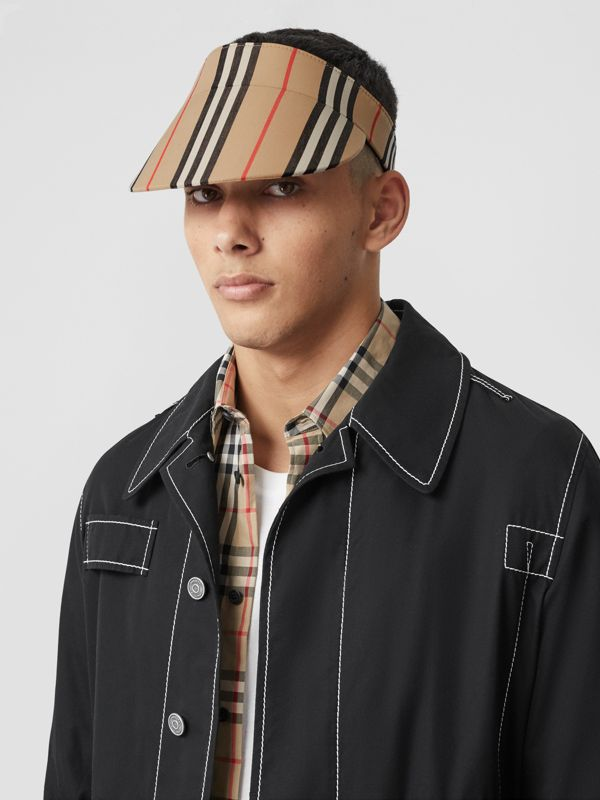Icon Stripe Visor in Archive Beige | Burberry Hong Kong S.A.R - cell image 2