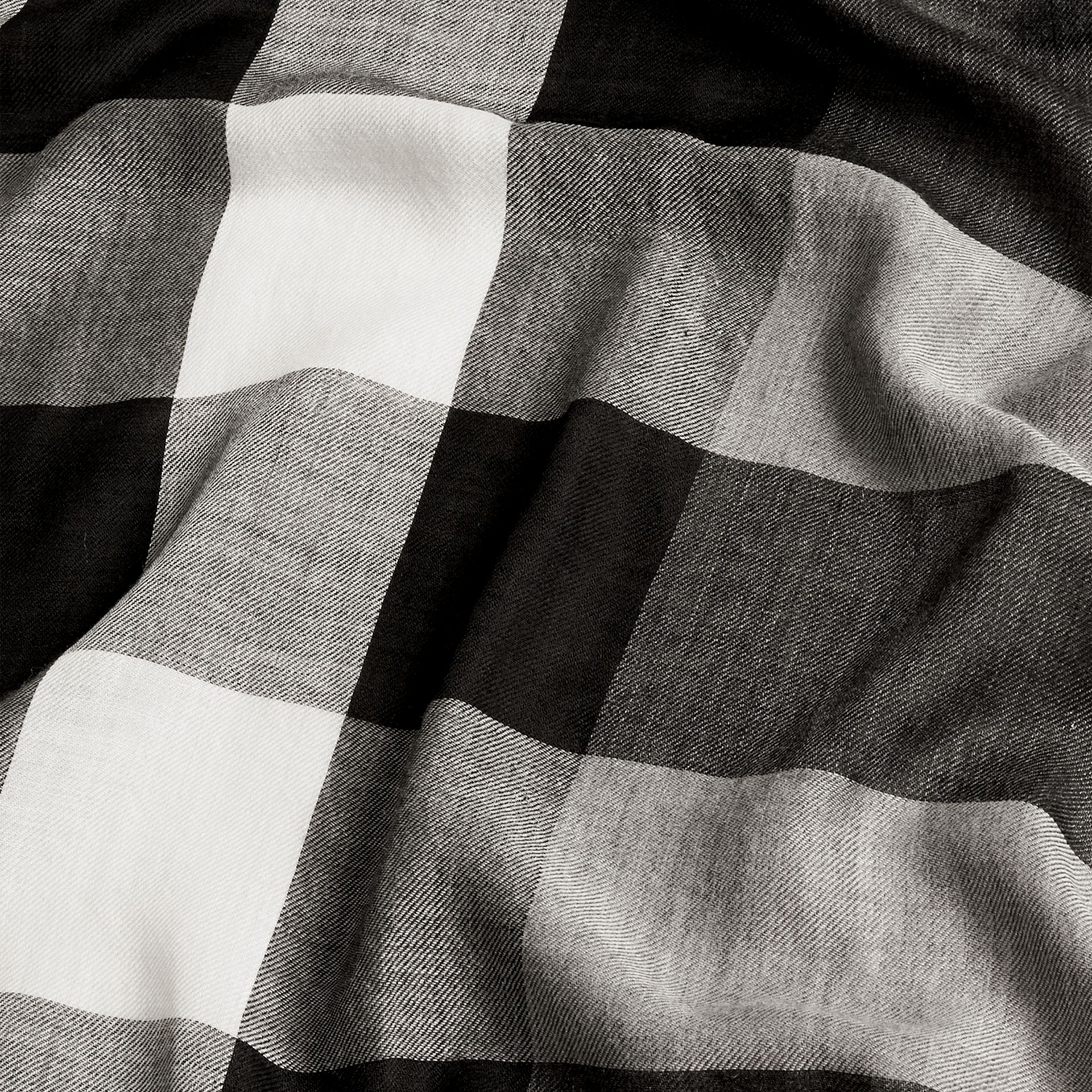 The Lightweight Cashmere Scarf in Check in Mid Grey | Burberry Australia - gallery image 5