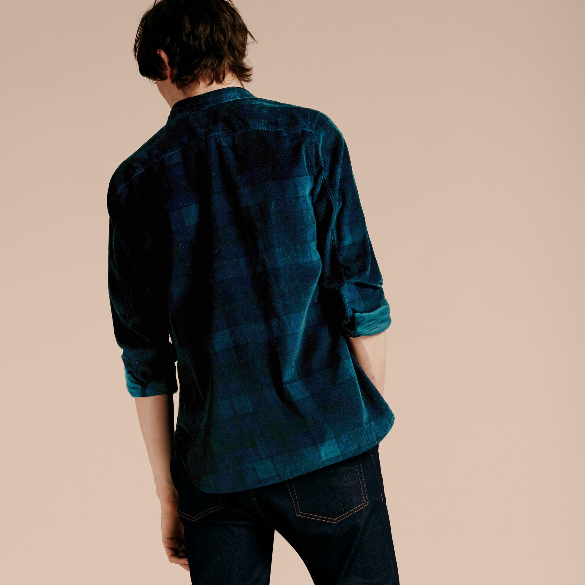 Noir marine Chemise en coton côtelé à motif check - photo de la galerie 3