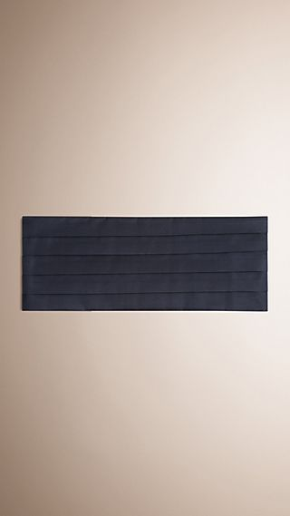 Pleated Silk Cummerbund