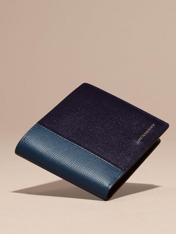 Navy scuro/blu minerale Portafoglio a libro in pelle London con inserti Navy Scuro/blu Minerale - cell image 2