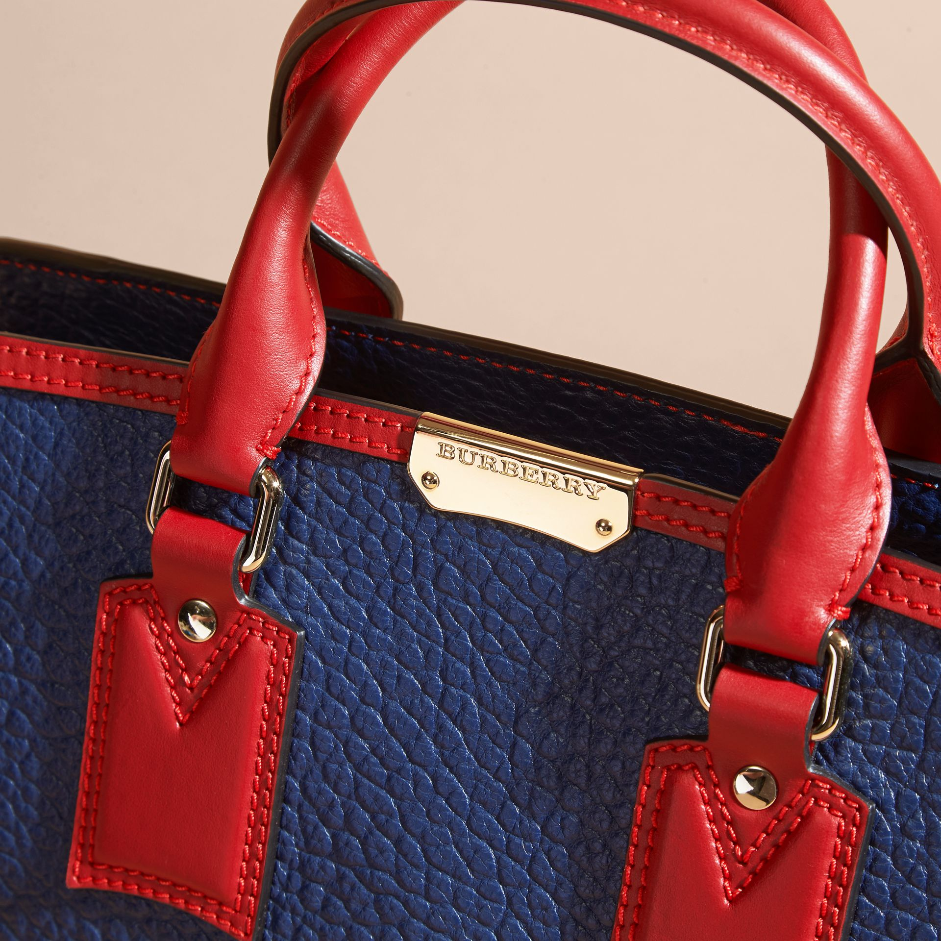Blue carbon/parade red The Medium Clifton in Signature Grain Leather with Border Detail - gallery image 7