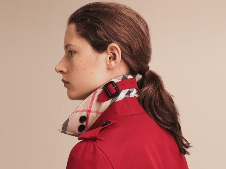 The Kensington - Trench coat Heritage lungo (Rosso Parata) - Donna | Burberry - cell image 4