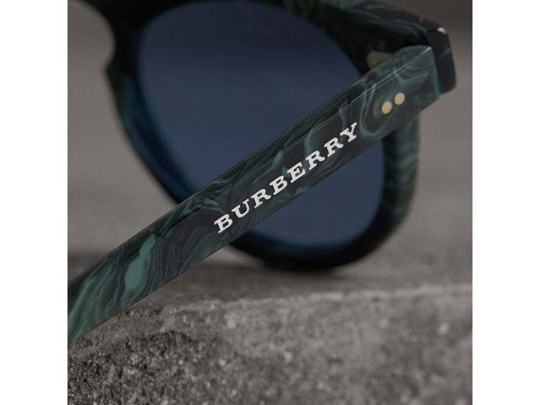 The Keyhole Round Frame Sunglasses in Green Marble/blue | Burberry Singapore - cell image 1