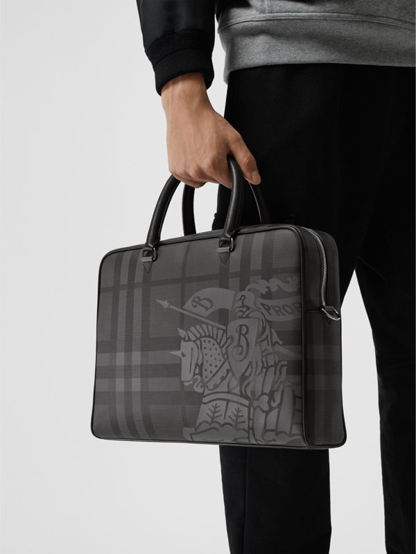 Attaché-case en cuir à motif London check et emblème du Cavalier (Anthracite/noir) - Homme | Burberry Canada - cell image 3
