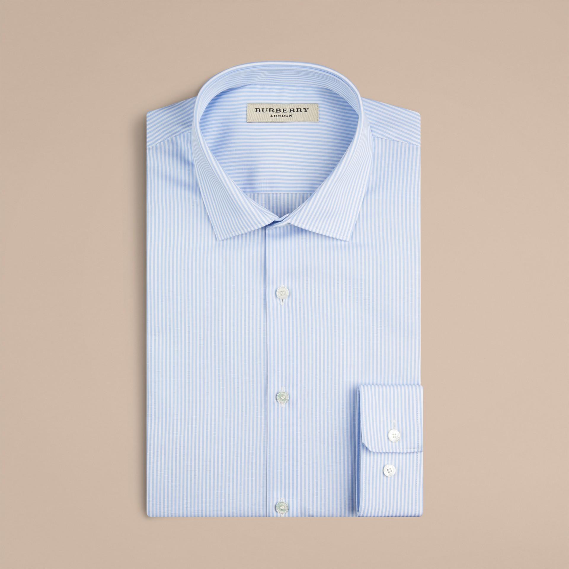 Azzurro pallido Camicia sfiancata in cotone a righe - immagine della galleria 2