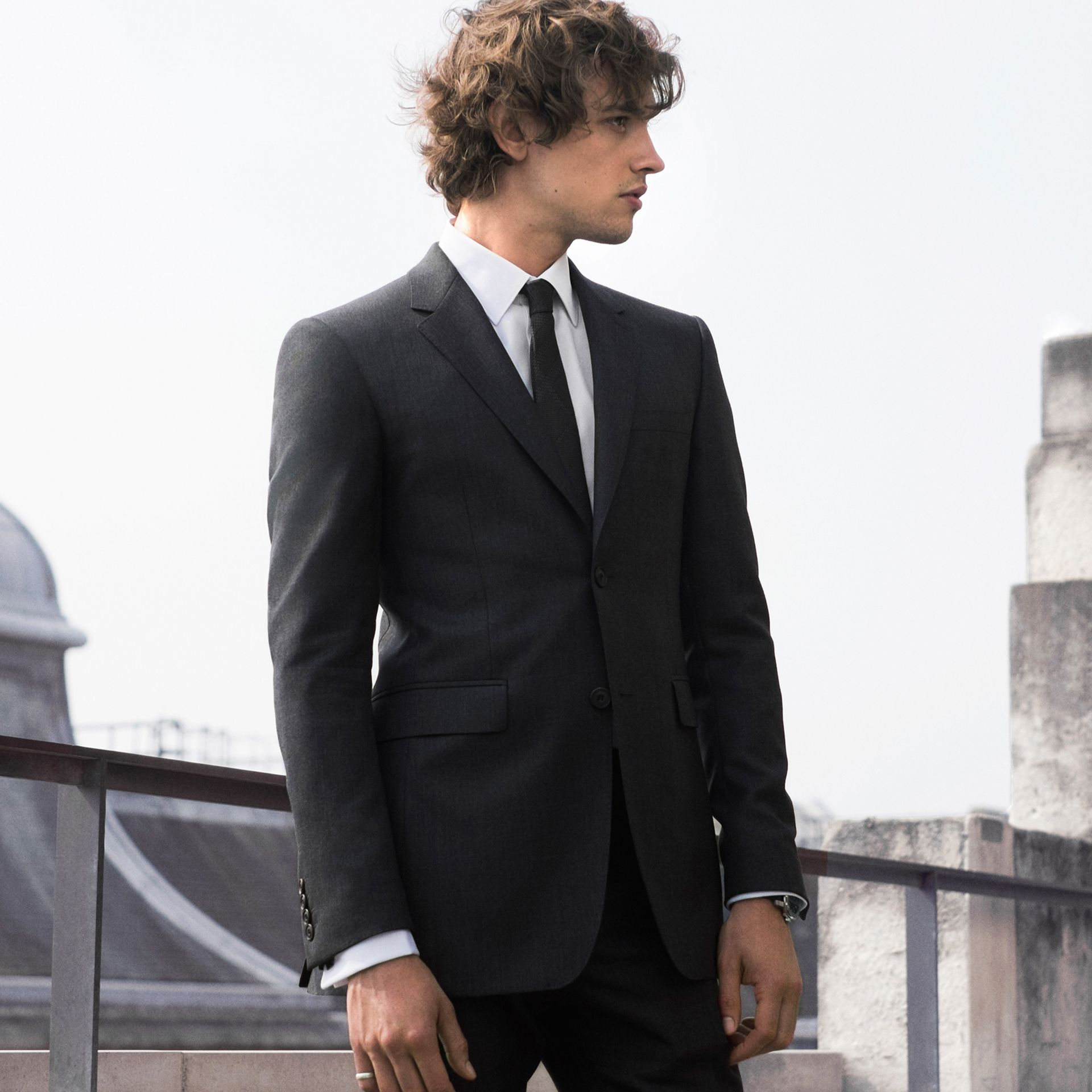 Dark grey The Chelsea – Slim Fit Wool Mohair Suit Dark Grey - gallery image 8