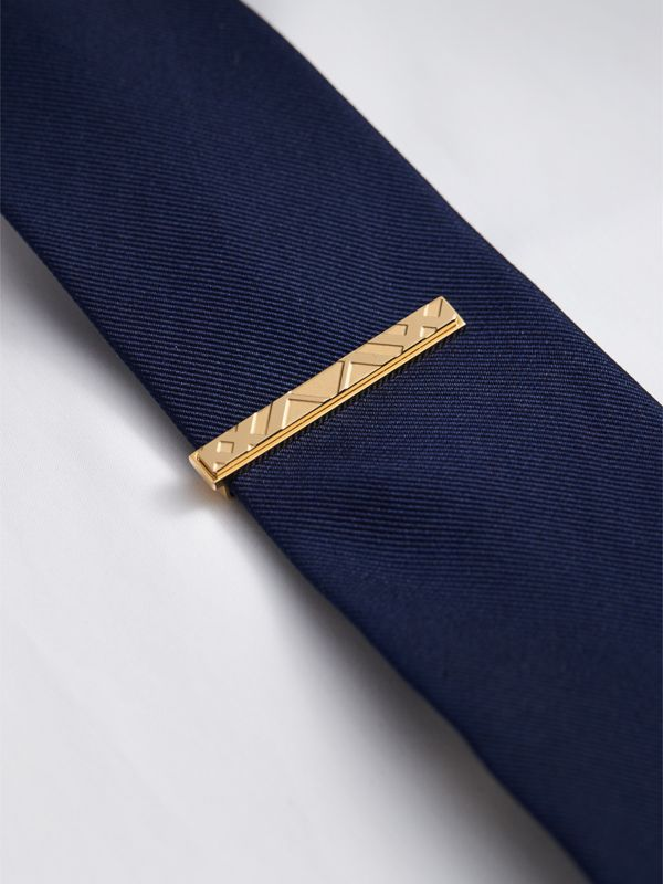Check-engraved Tie Bar in Pale Gold - Men | Burberry Hong Kong - cell image 2