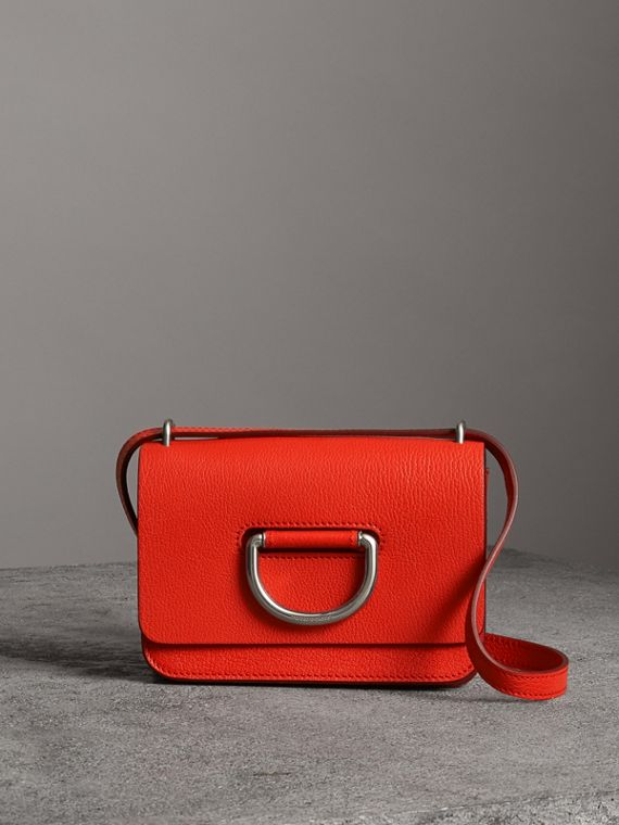 The Mini D-Ring Bag aus Leder (Leuchtendes Rot)