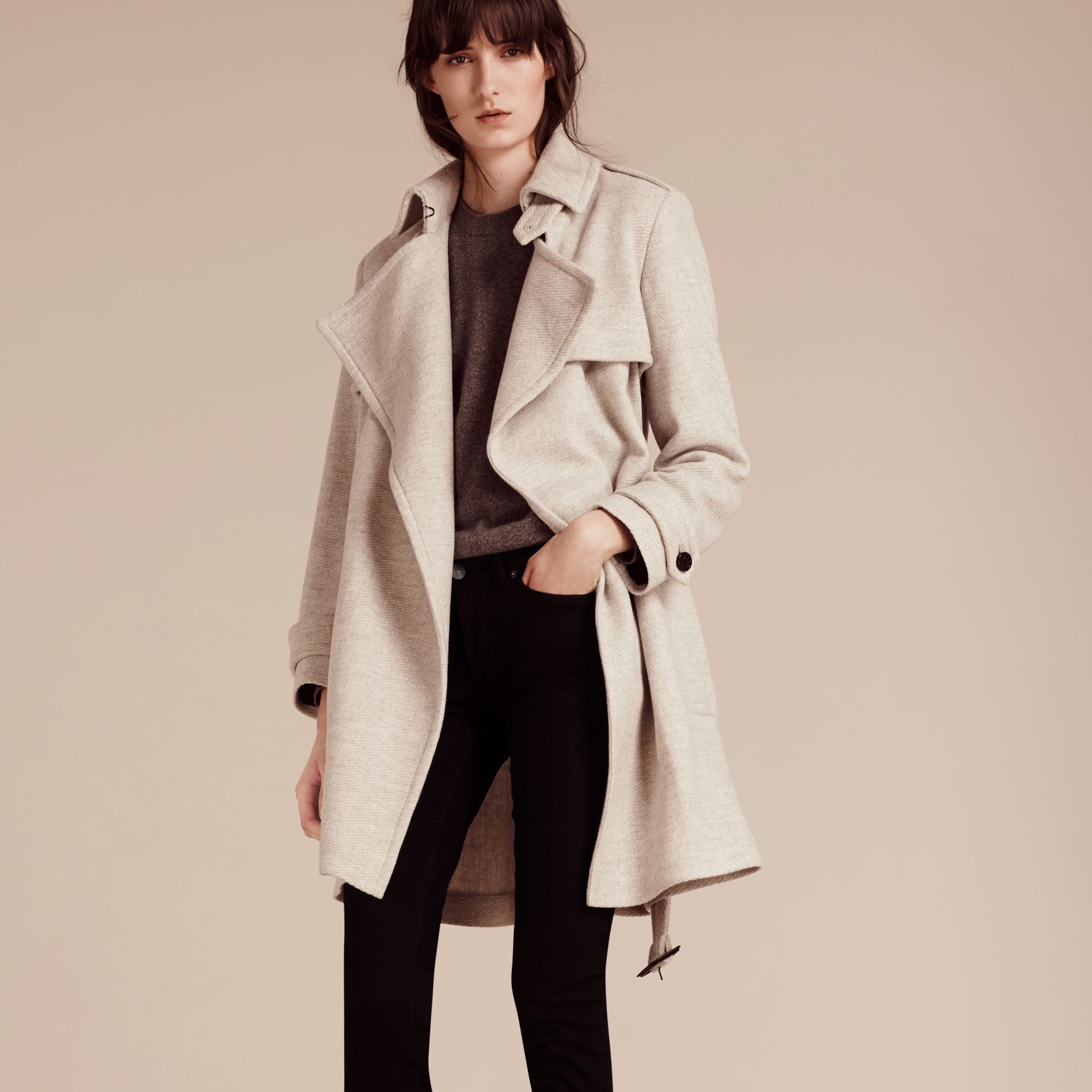 Blanc/gris Trench-coat portefeuille en cachemire - photo de la galerie 7