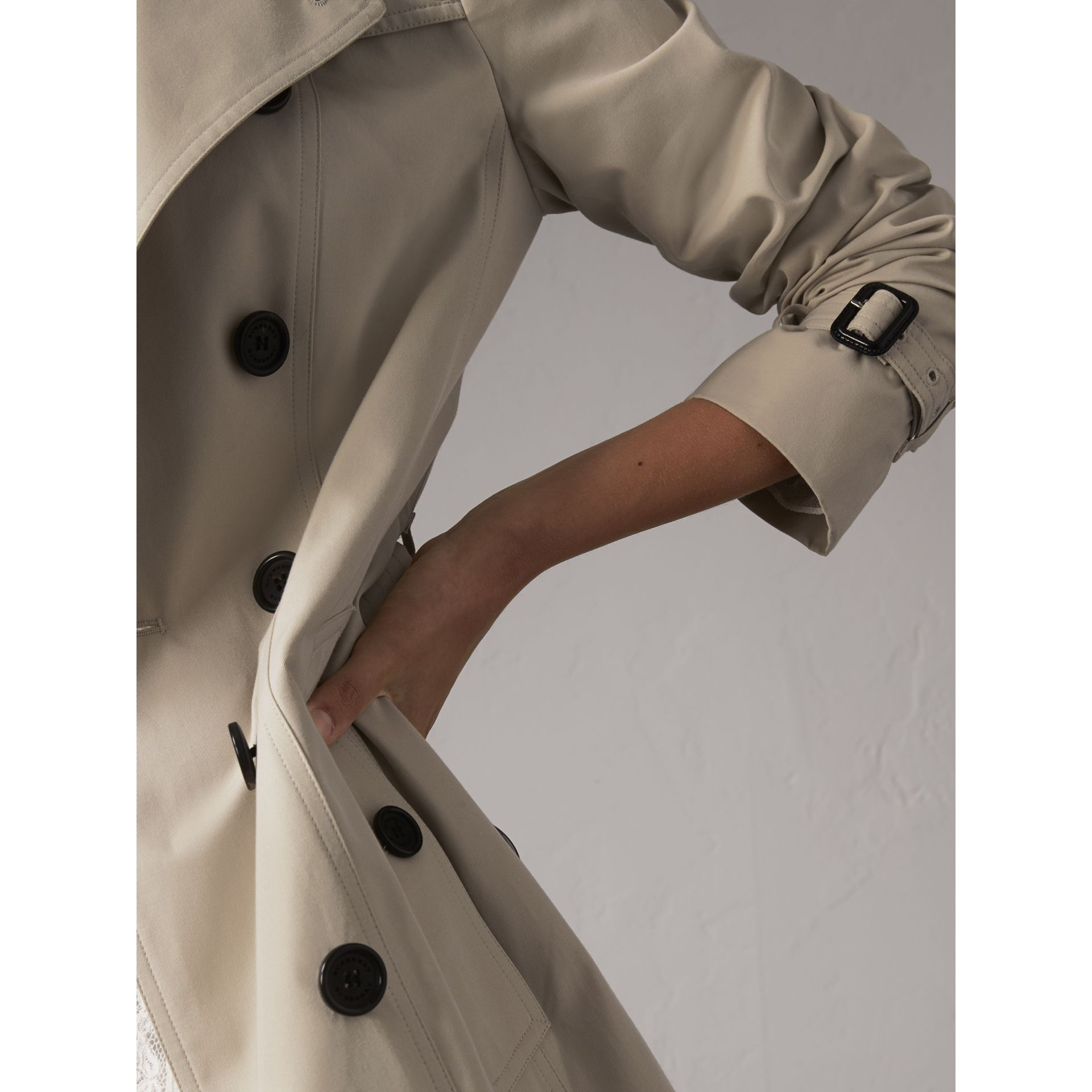 The Sandringham – Long Trench Coat in Stone - Women | Burberry United Kingdom - gallery image 5