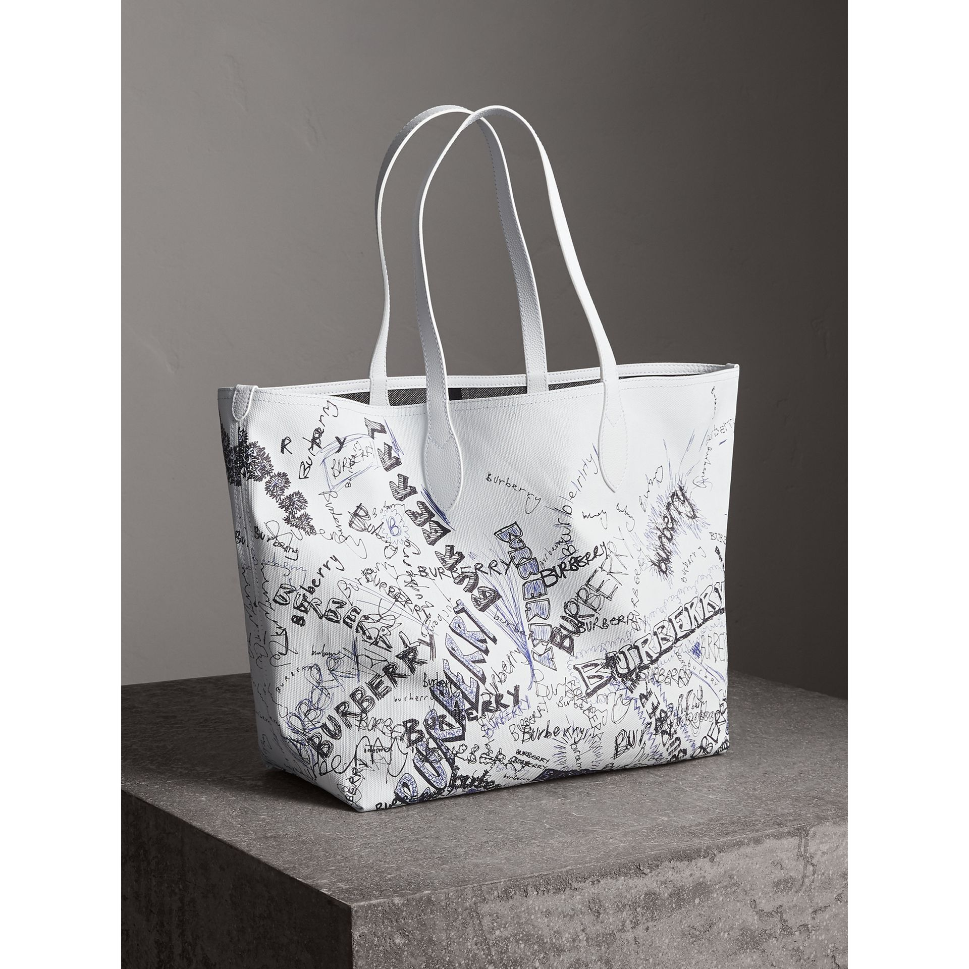 The Large Reversible Doodle Tote in White | Burberry - gallery image 7