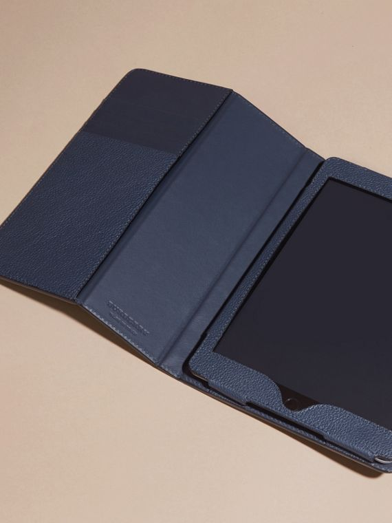 Bright navy Grainy Leather iPad Case Bright Navy - cell image 2