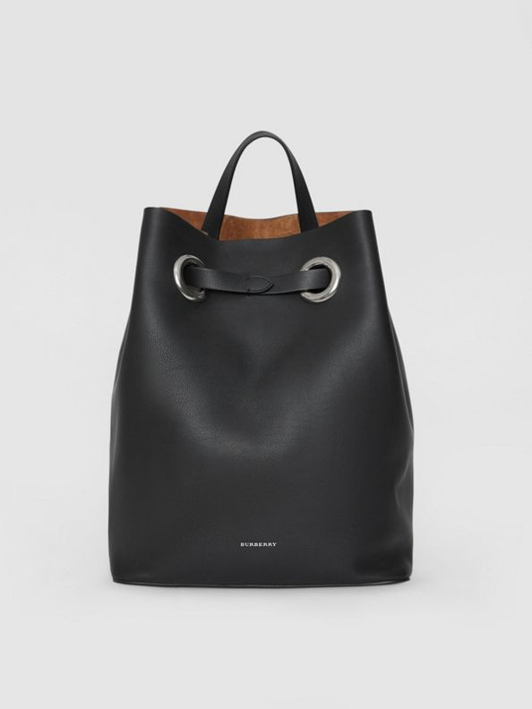 Rucksack aus Leder mit Ösendetails (Schwarz)