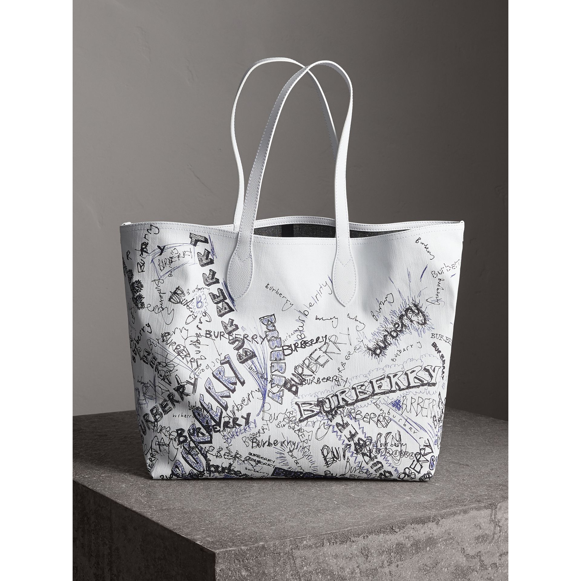 The Large Reversible Doodle Tote in White | Burberry - gallery image 1