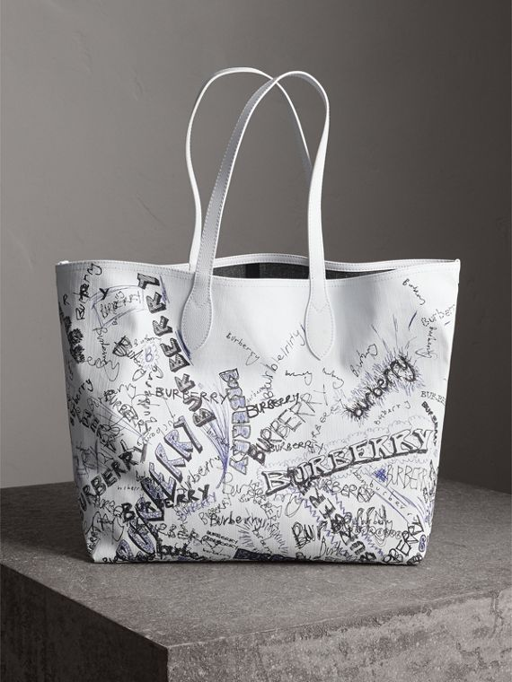 The Large Reversible Doodle Tote in White