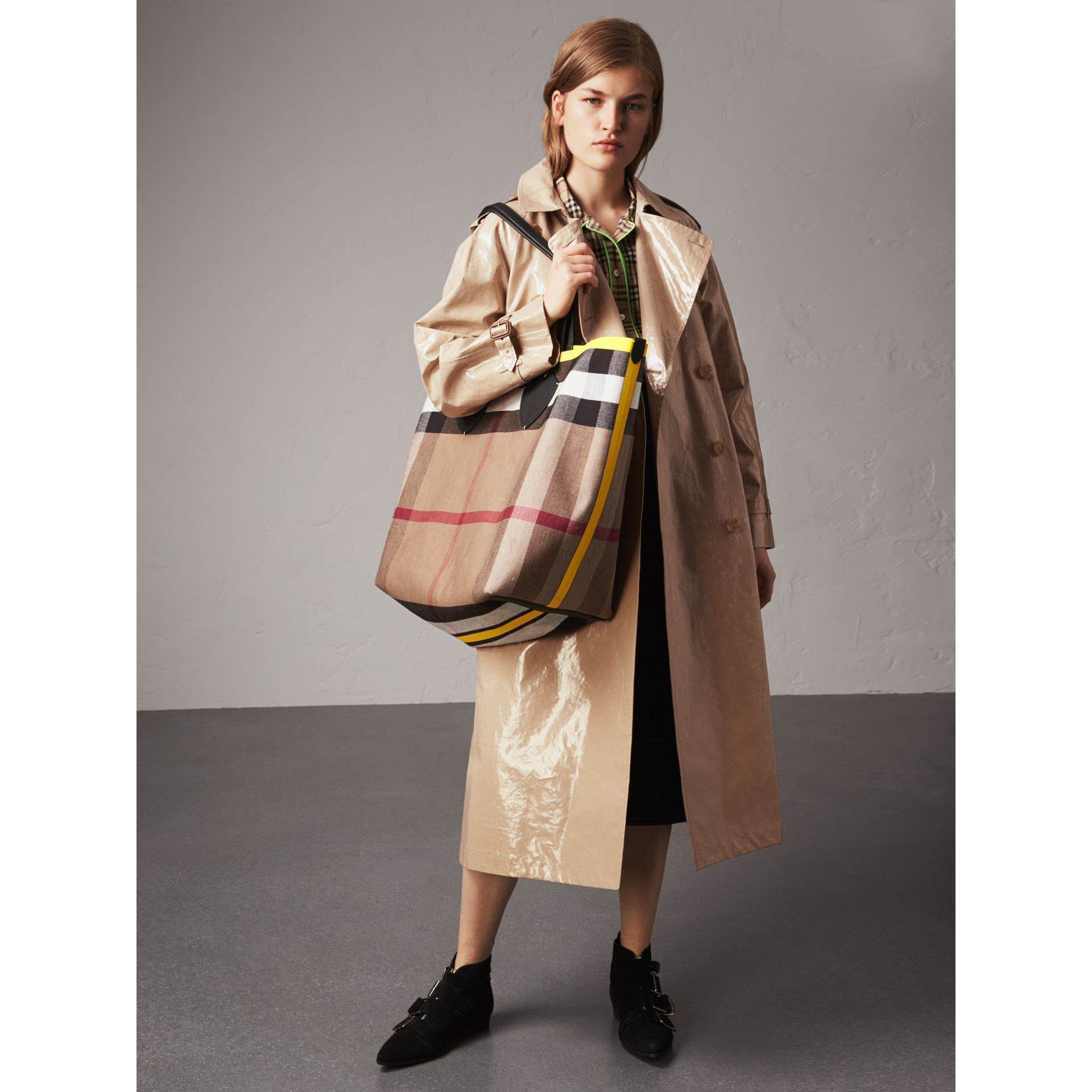 Raglan-sleeve Laminated Gabardine Trench Coat in Honey - Women | Burberry - gallery image 1