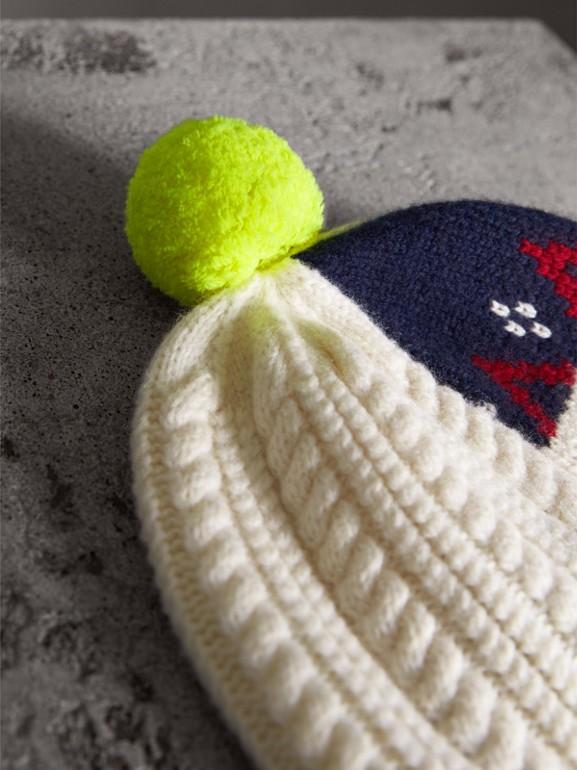 Gorro com patchwork de lã e cashmere com pompom (Branco Natural) - Mulheres | Burberry - cell image 1