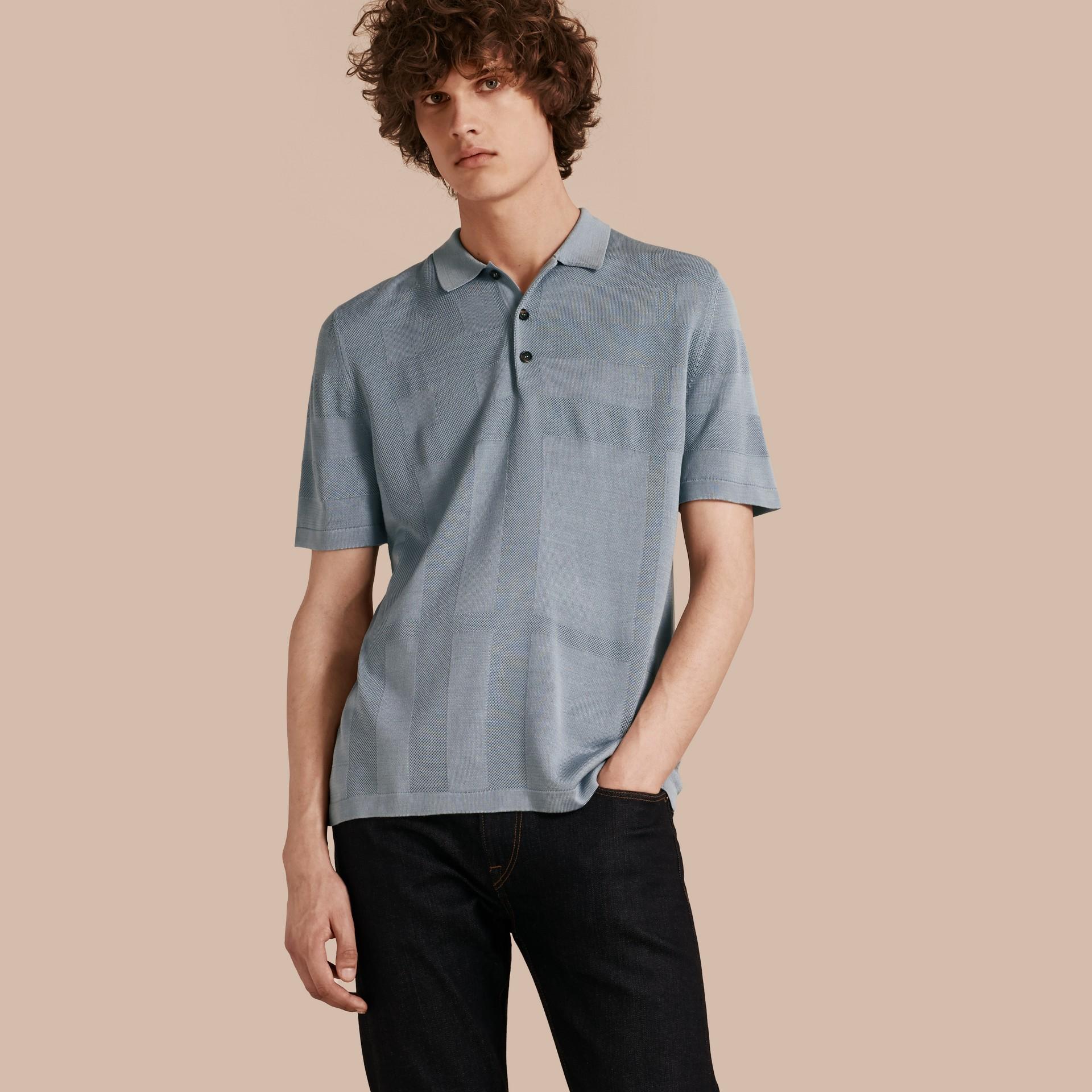 チェックジャカード ピケシルクコットン ポロシャツ (スレートブルー) - メンズ | バーバリー - ギャラリーイメージ 1