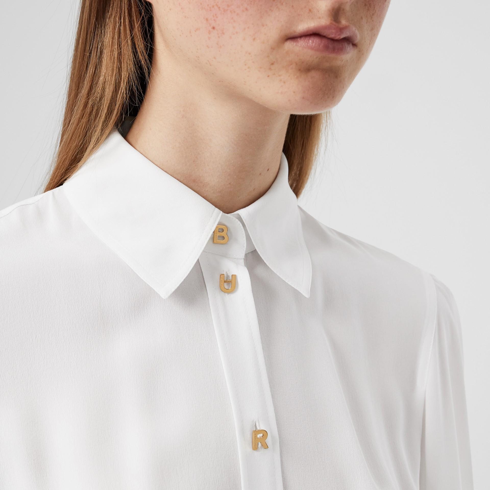 Seidenbluse mit Logo- und Cutout-Detail (Optic-weiß) - Damen | Burberry - Galerie-Bild 1