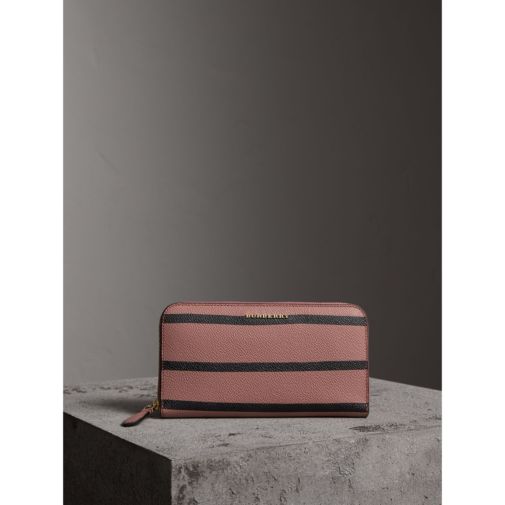 Trompe L'oeil Print Leather Ziparound Wallet in Dusty Pink - Women | Burberry - gallery image 11