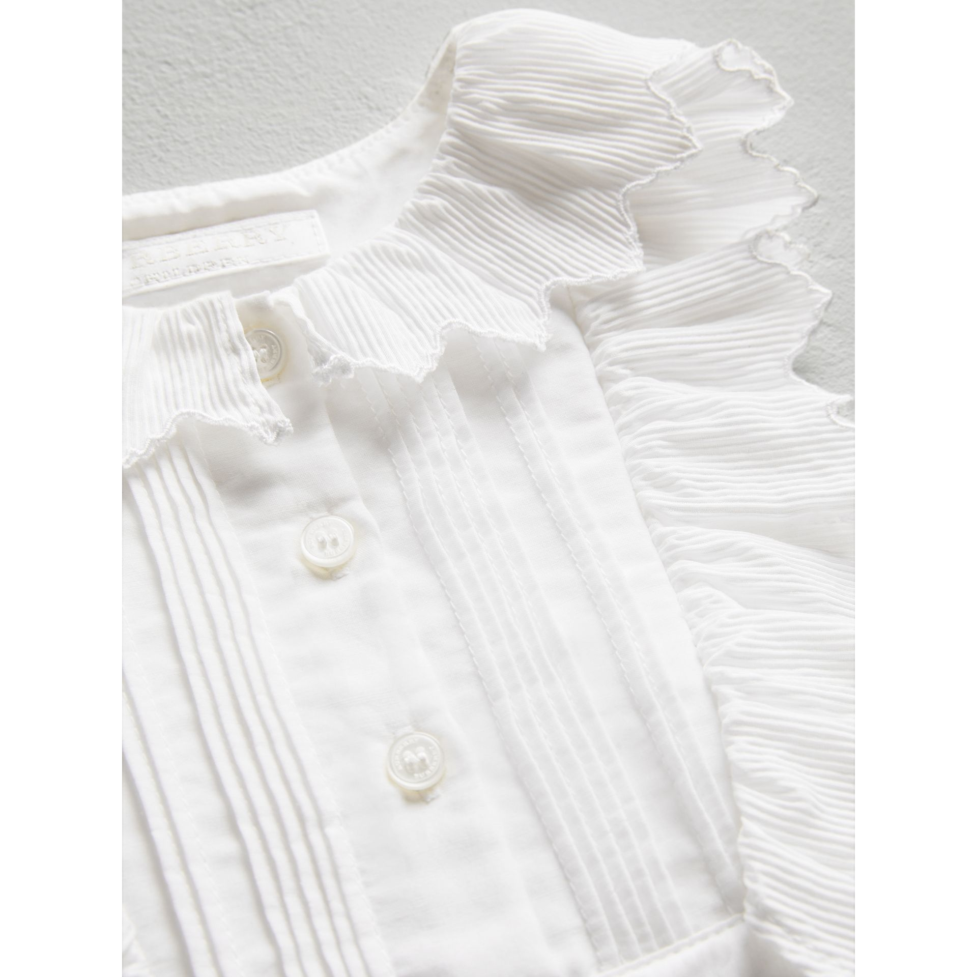 Scalloped Plissé Detail Cotton Shirt Dress in White - Children | Burberry Singapore - gallery image 1