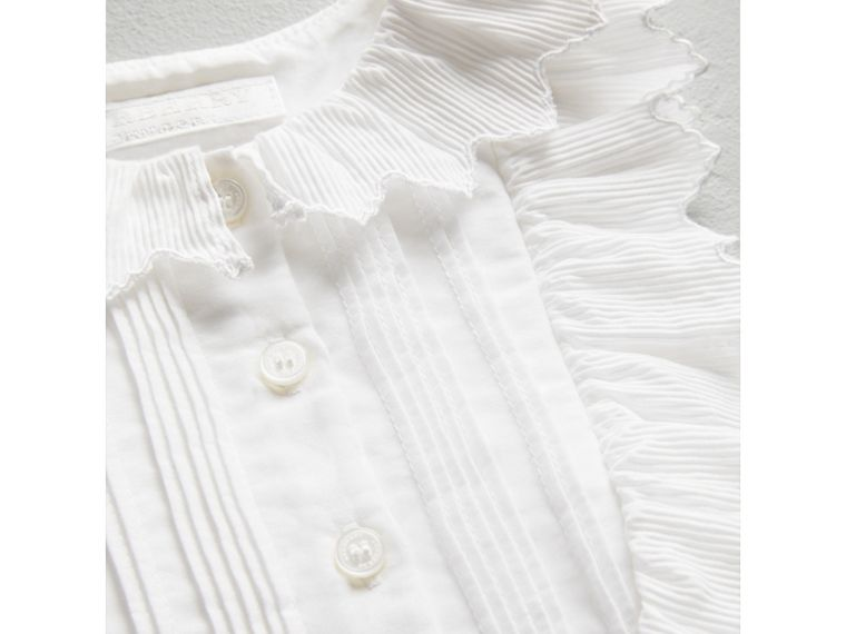 Scalloped Plissé Detail Cotton Shirt Dress in White | Burberry Singapore - cell image 1