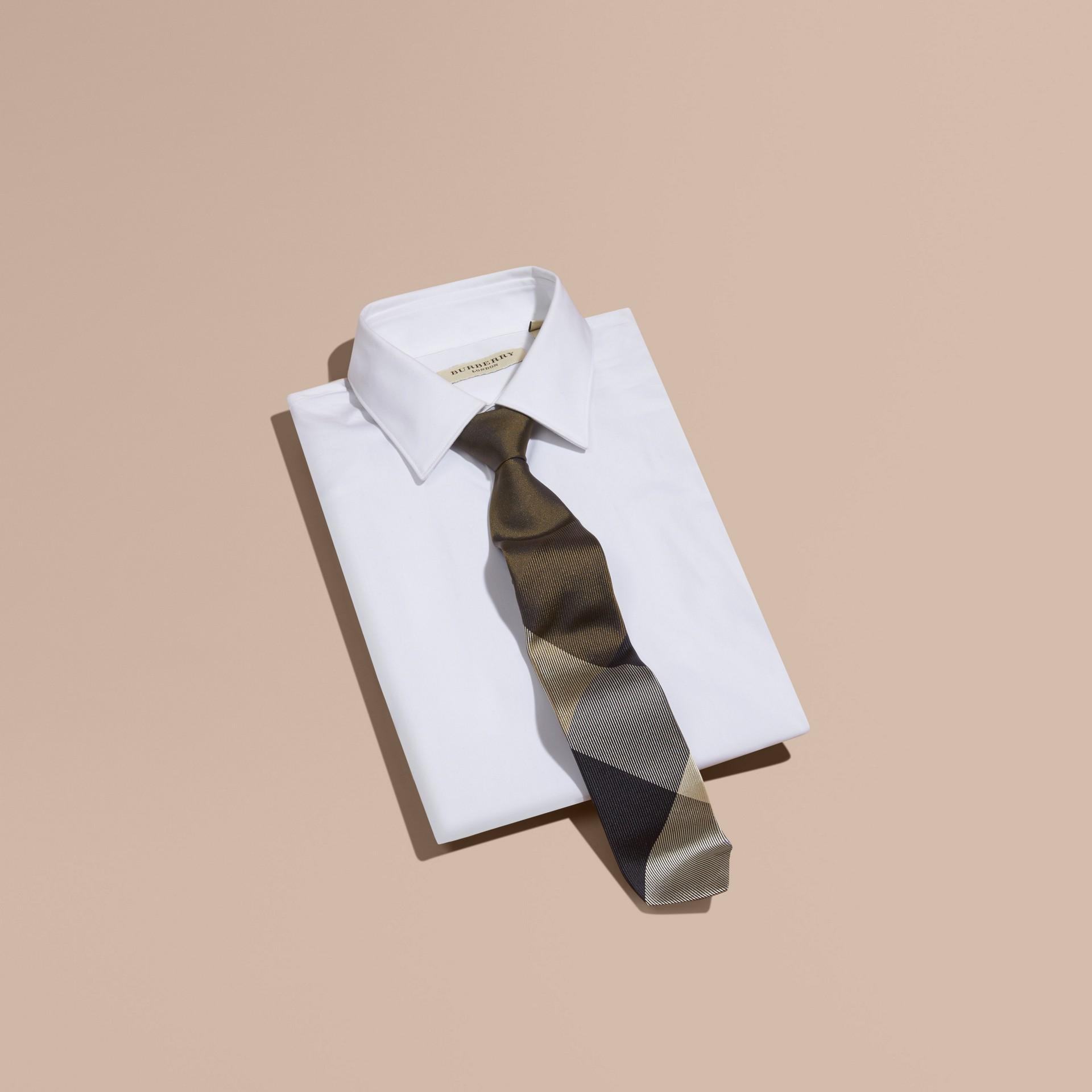橄欖綠 現代剪裁格紋提花絲質領帶 橄欖綠 - 圖庫照片 3