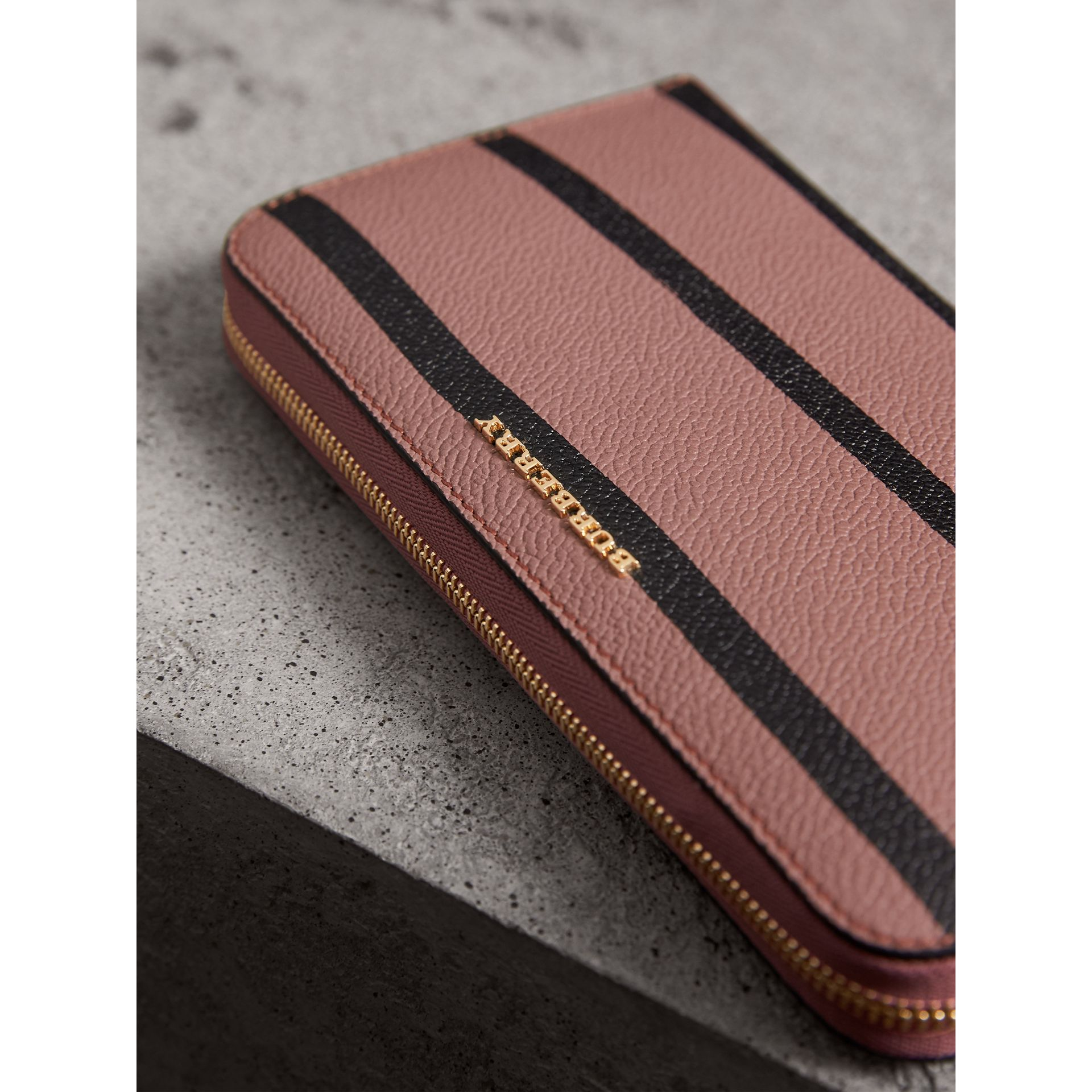 Trompe L'oeil Print Leather Ziparound Wallet in Dusty Pink - Women | Burberry - gallery image 4